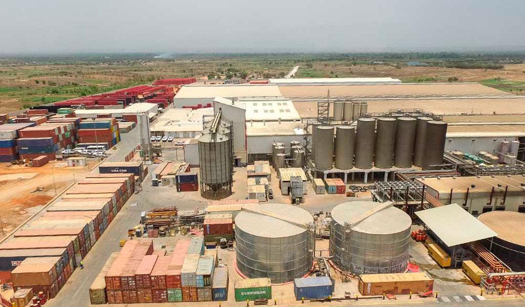 Entreprise de Mise en Bouteilles, Luanda, Angola